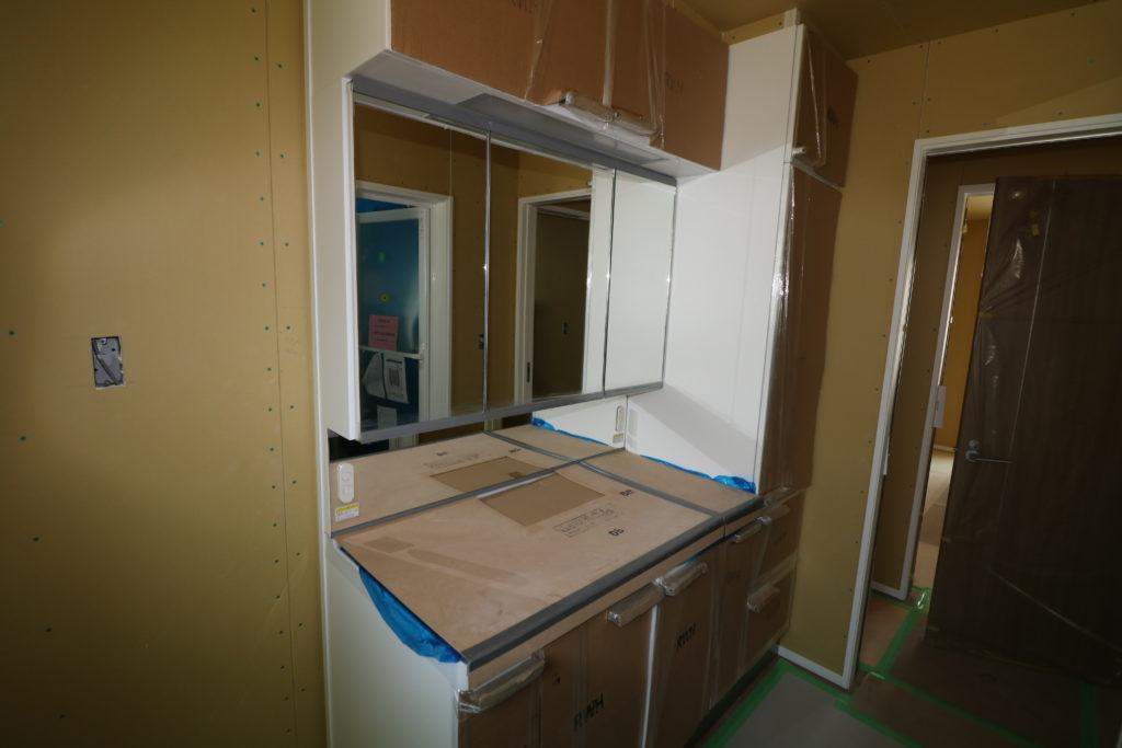 建築中の家の中 洗面台