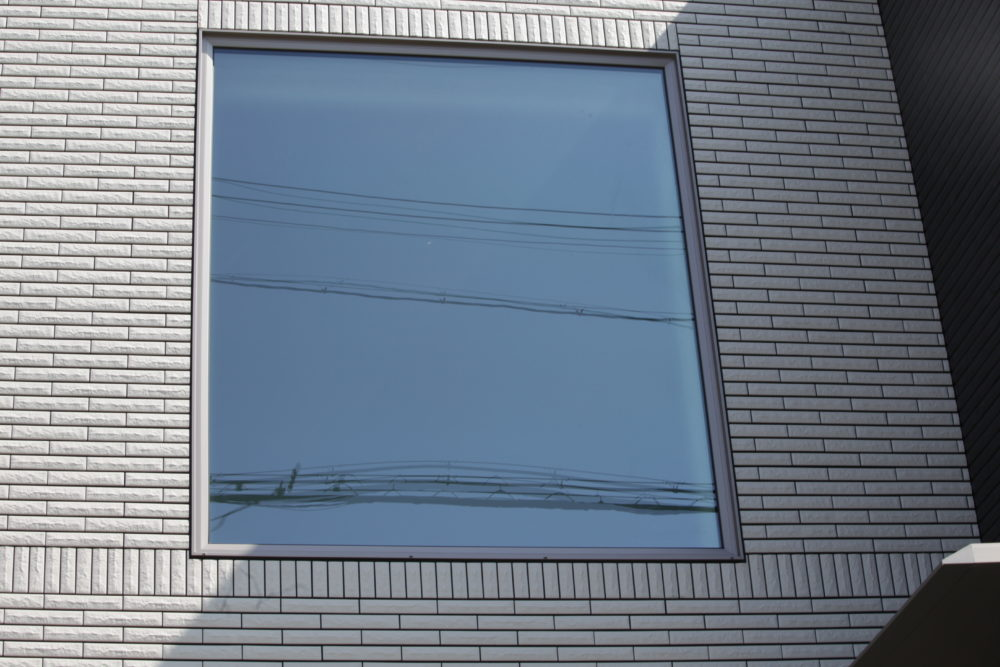 一条工務店i-smartに付けられたはめ込み窓