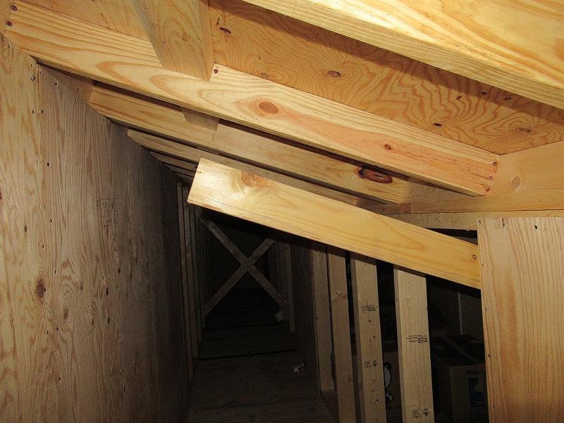 一条工務店i-smartの屋根裏
