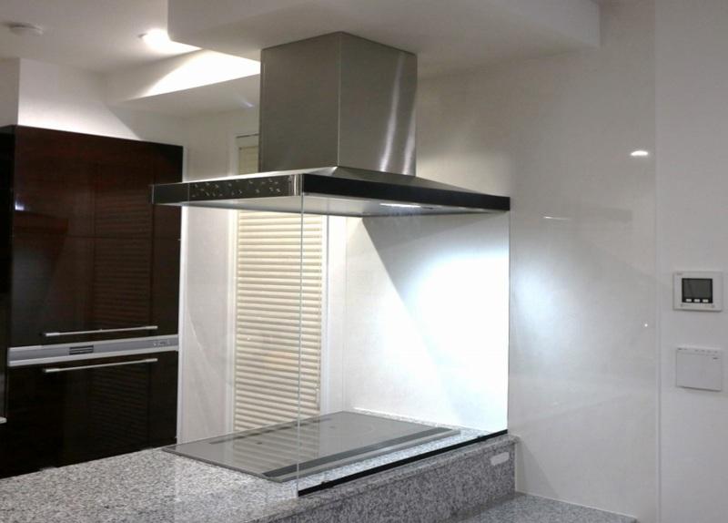 自作した大型のキッチンオイルガード
