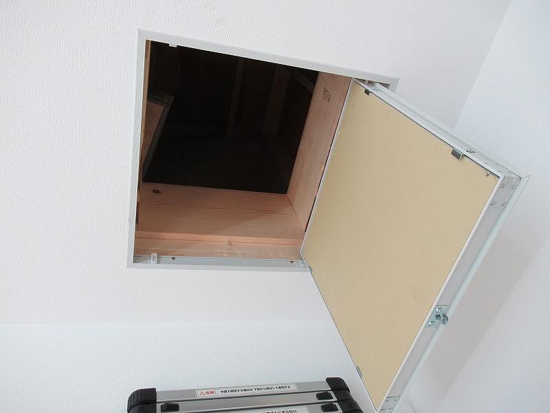天井裏への入り口