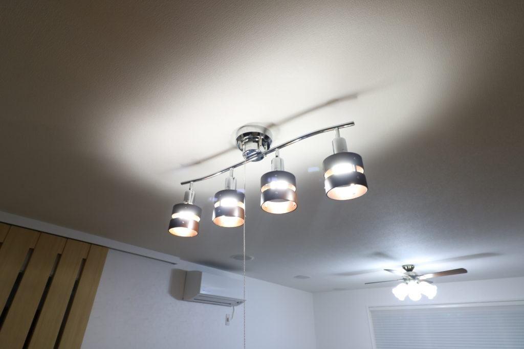 天井のおしゃれなシーリングライト