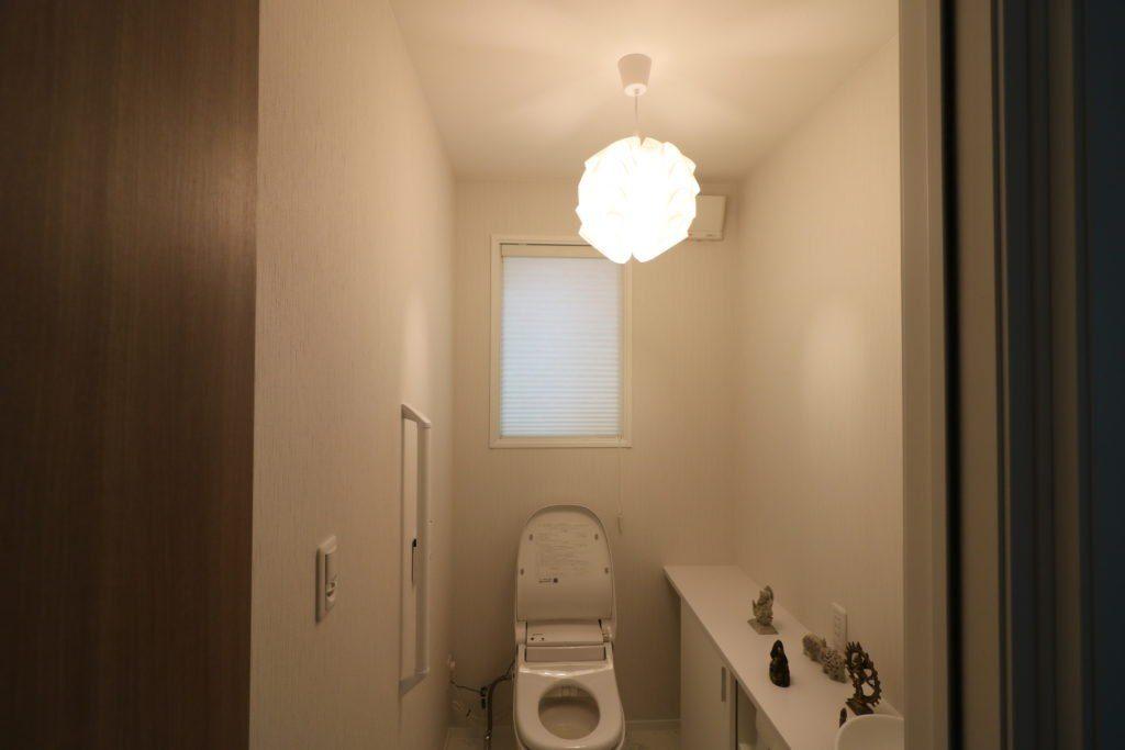 トイレのシーリングライト