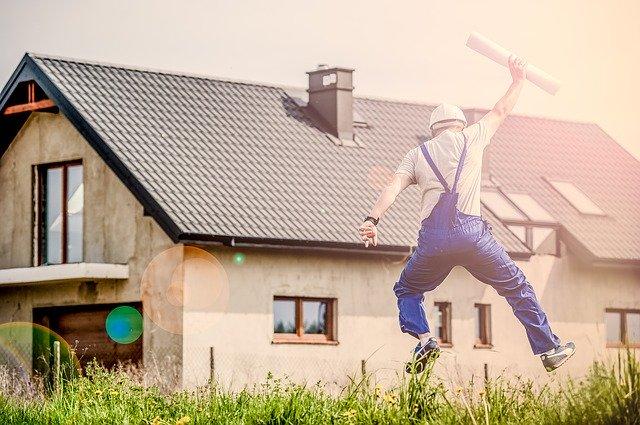 家を建てて喜ぶ人